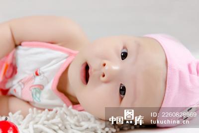 可爱的婴儿